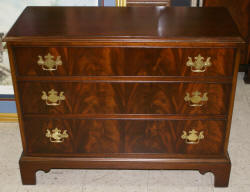 flame mahogany 3 drawer bachelor chest