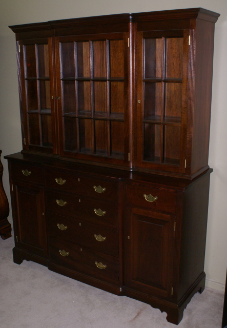 China Cabinet-Mahogany china cabinets-antique china cabinets