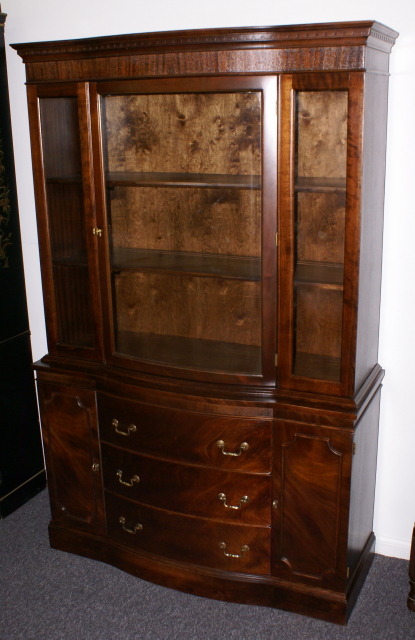 Bow front mahogany china cabinet - Front Mahogany China Cabinet