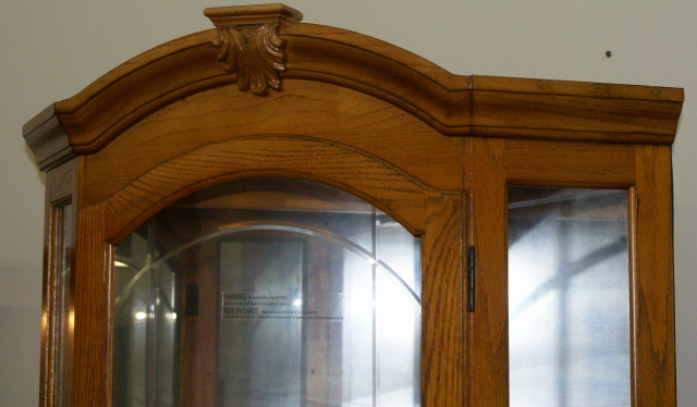 ... Lighted Etched Gl Front Oak Corner Curio Cabinet By Ski Furniture Pany  ...