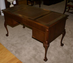 Hooker furniture chippendale mahogany partners desk