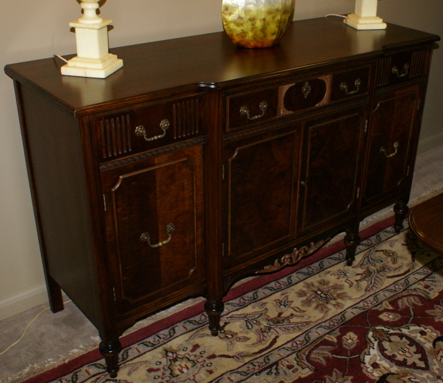 Superieur Walnut Complete Antique Dining Room Suite