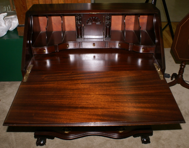 Chippendale mahogany antique Governor Winthrop desk - Mahogany Antique Governor Winthrop Desk