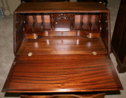 Mahogany Governor Winthrop desk