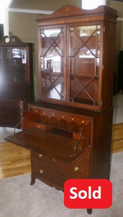 Antique Hepplewhite butlers secretary desk