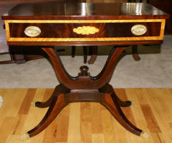 Banded inlaid mahogany Duncan Phyfe console table
