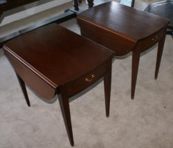 Matched pair of mahogany Duncan Phyfe Pembroke tables