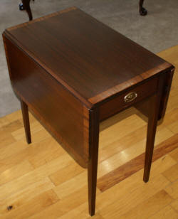 Pair of banded inlaid mahogany Pembroke tables